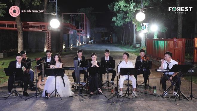 Cover siêu hit Xin Lỗi, Hoà Minzy nhớ về những sự cố trong quá khứ: Vẫn là Xin Lỗi nhưng mong được mọi người yêu thương - ảnh 1