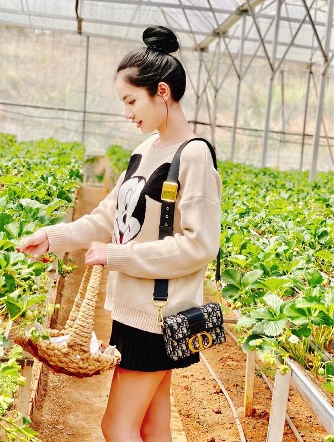 Đến lượt Cẩm Đan - gái đẹp 2k2 check in Đà Lạt, đi cùng ai mà thả thính ngọt thế này? - ảnh 2