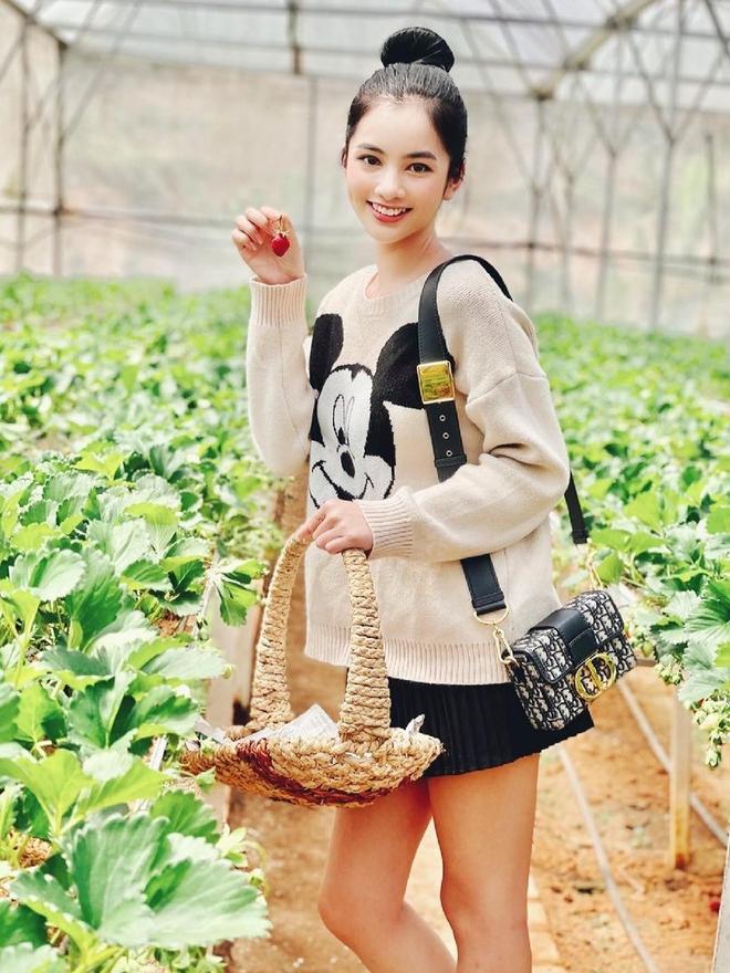 Đến lượt Cẩm Đan - gái đẹp 2k2 check in Đà Lạt, đi cùng ai mà thả thính ngọt thế này? - ảnh 1