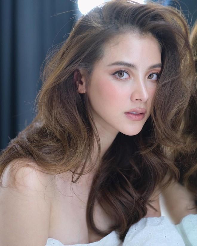 """Vẫn biết nữ thần Baifern (Chiếc Lá Bay) đẹp, nhưng ai ngờ diễm lệ đến mức khiến netizen Việt """"nghẹt thở"""" như bộ ảnh này - ảnh 2"""