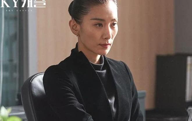 Lộ giả thuyết gia sư Penthouse 2 là bản sao từ Sky Castle, còn xúi bậy khiến rich kid Eun Byul có bầu? - ảnh 7