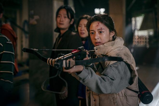 Trai đẹp Ong Seung Woo bắt tay ảnh đế Yoo Ah In làm siêu trộm ở bom tấn truyền hình mới của Netflix? - ảnh 4