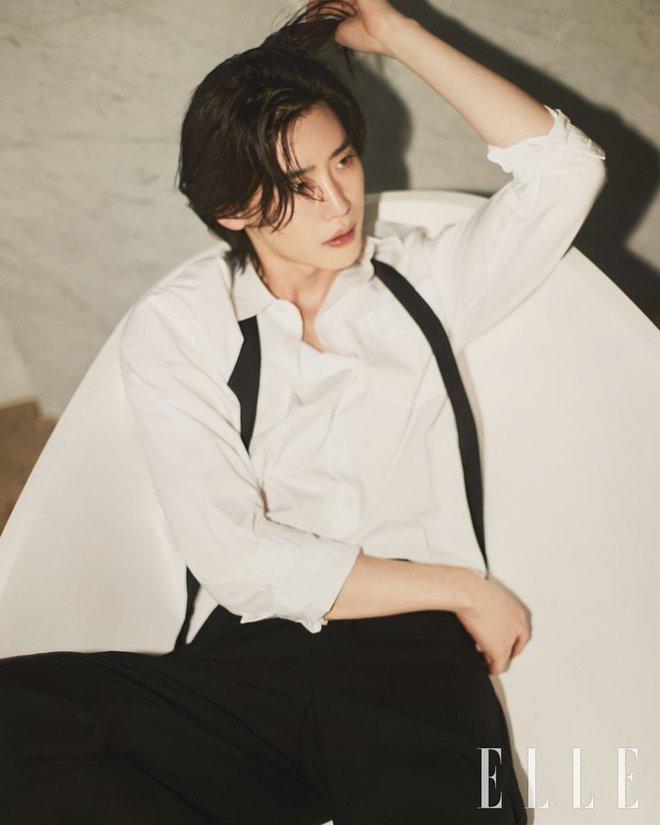 Lee Jong Suk tóc dài lãng tử quá, khoe visual mong manh đến siêu thực làm fangirl bị quật cực mạnh - ảnh 5