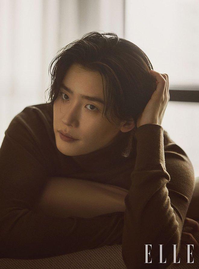 Lee Jong Suk tóc dài lãng tử quá, khoe visual mong manh đến siêu thực làm fangirl bị quật cực mạnh - ảnh 6