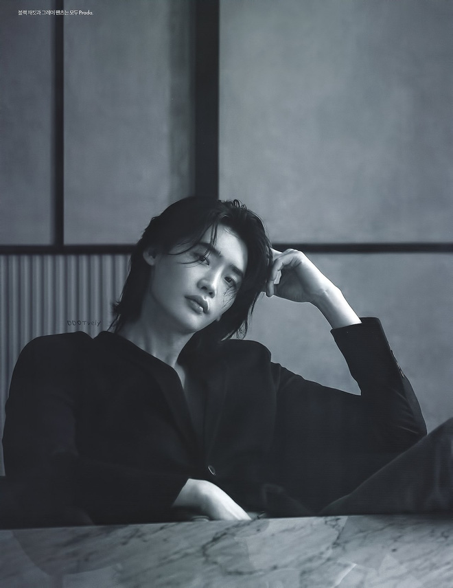 Lee Jong Suk tóc dài lãng tử quá, khoe visual mong manh đến siêu thực làm fangirl bị quật cực mạnh - ảnh 7