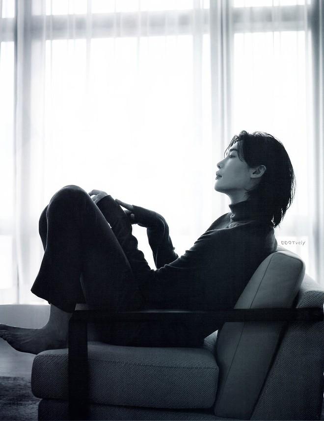 Lee Jong Suk tóc dài lãng tử quá, khoe visual mong manh đến siêu thực làm fangirl bị quật cực mạnh - ảnh 9
