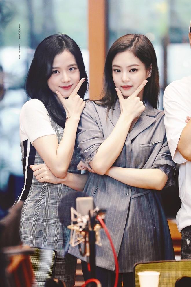 Không phải GD, đây mới là nhân vật hoà hợp visual với Jennie nhất: Combo xinh đẹp x2, choáng khi kéo đến ảnh kết hợp - ảnh 4