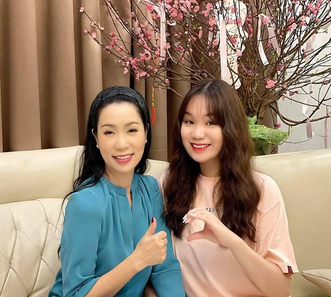 Con gái của Á hậu Trịnh Kim Chi: Hồi nhỏ mũm mĩm, lớn lên lột xác thành hot girl xinh đẹp nhưng nể nhất là thành tích học tập - ảnh 2