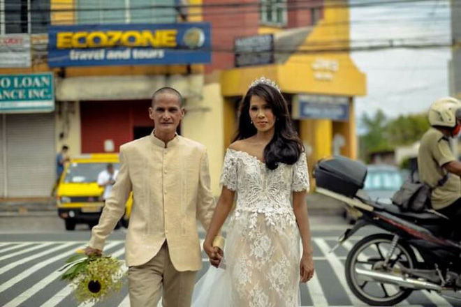 Được nhà hảo tâm giúp đỡ, cặp đôi U60 nghèo nhặt ve chai quay ngoắt 180 độ với bộ ảnh cưới đậm chất fashionista, ai xem cũng trố mắt - ảnh 7