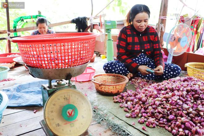 """Có một """"xóm cay mắt"""" của người miền Tây giữa lòng Sài Gòn: """"Tụi tui tính về quê mà không đủ tiền, Tết này ở đây thôi"""" - Ảnh 9."""