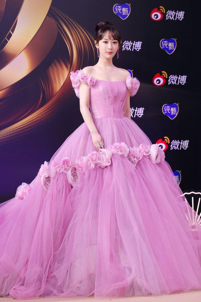 Soi váy áo sao nữ Đêm hội Weibo: Nhiệt Ba chặt chém ác liệt, Châu Đông Vũ - Tống Thiến mặc gì thế này? - ảnh 5