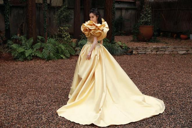 Soi váy áo sao nữ Đêm hội Weibo: Nhiệt Ba chặt chém ác liệt, Châu Đông Vũ - Tống Thiến mặc gì thế này? - ảnh 10
