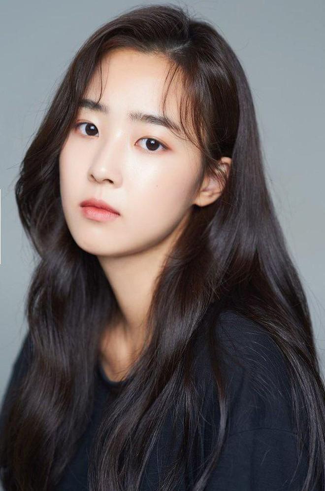Rich kid Eun Byeol Penthouse 2 bị tố từng bắt nạt bạn học ngoài đời, hóa ra là mang cả đời thật lên phim? - ảnh 1