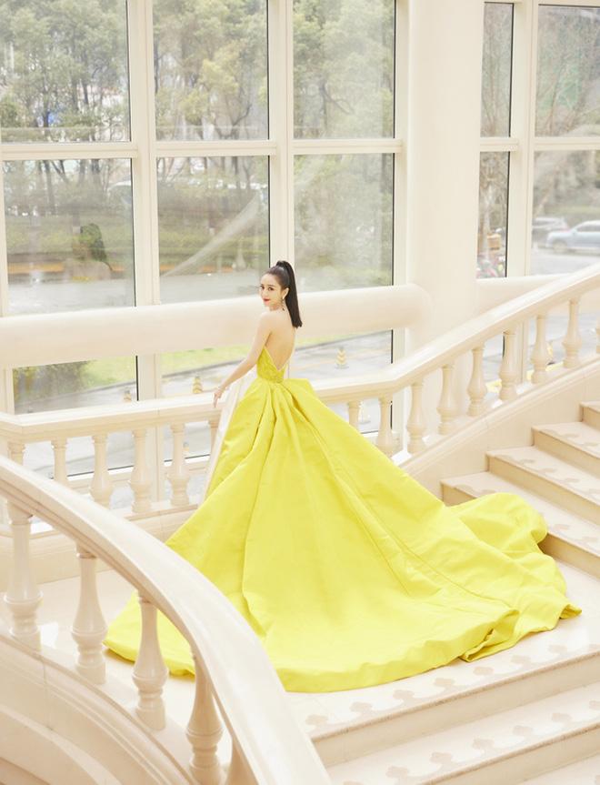 Soi váy áo sao nữ Đêm hội Weibo: Nhiệt Ba chặt chém ác liệt, Châu Đông Vũ - Tống Thiến mặc gì thế này? - ảnh 15