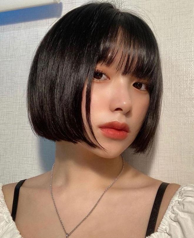 5 kiểu tóc siêu nhẹ đầu và còn nhân đôi vẻ sành điệu, hoàn hảo để chị em cắt cho mùa Xuân - Hè - Ảnh 1.