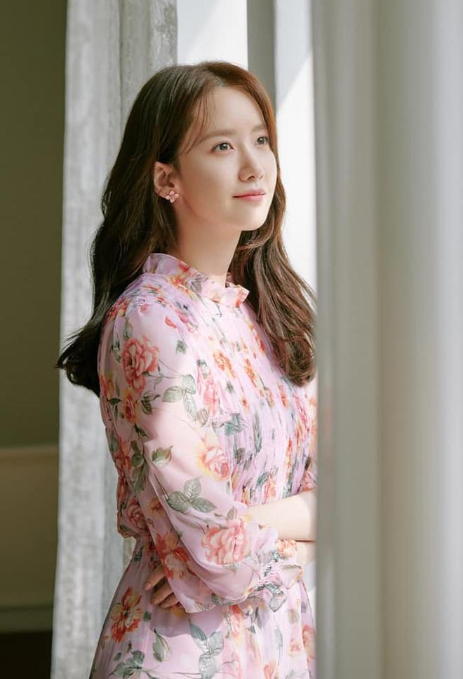 Chuyên gia trang điểm than thở rằng makeup cho Yoona khó phát điên, uẩn khúc là gì? - Ảnh 2.