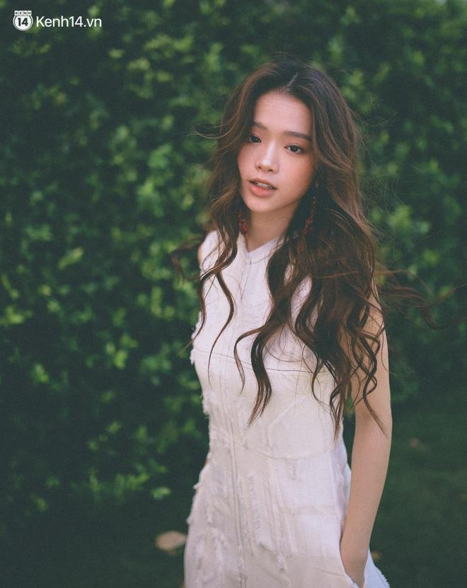 ĐỘC QUYỀN: Linh Ka khóc khi nhắc đến người đàn ông bí ẩn của mình, lần đầu  nói về sự cố mất kênh YouTube và fanpage 2 triệu likes - DOC QUYEN-
