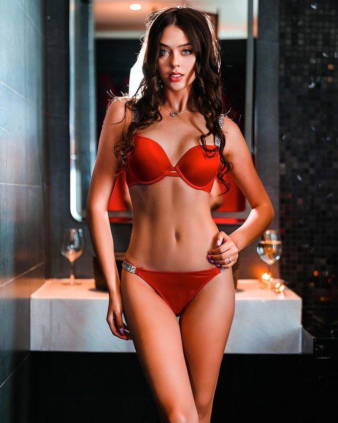 Bạn gái Bùi Tiến Dũng diện nội y đỏ rực khoe cơ thể cực đẹp photo 1 161563428039168977128
