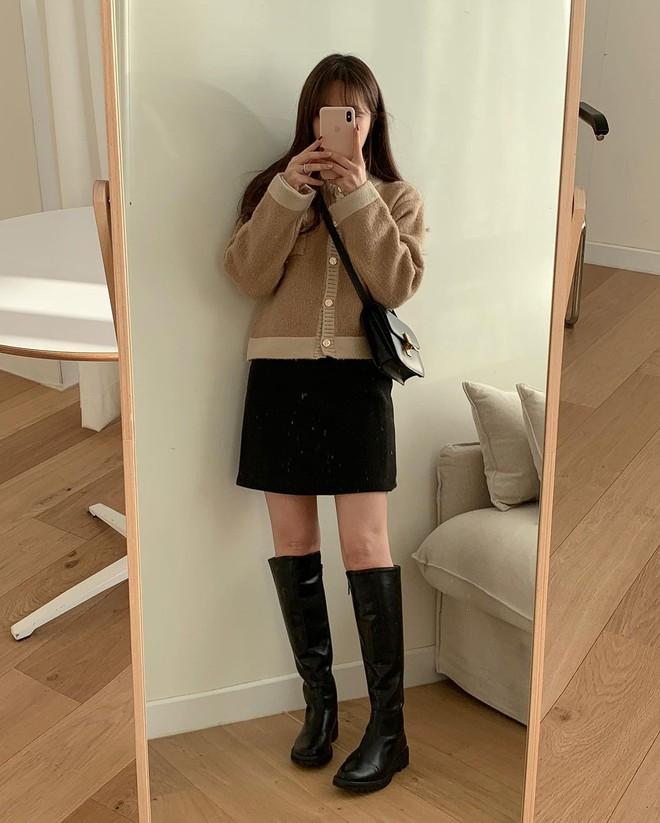 5 kiểu chân váy gái Hàn đang diện nhiều nhất, chị em sắm hết thì không bao giờ có chuyện mặc xấu - Ảnh 2.