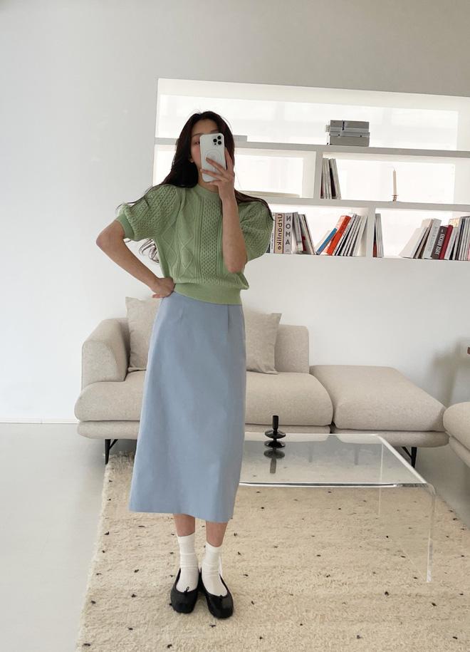 5 kiểu chân váy gái Hàn đang diện nhiều nhất, chị em sắm hết thì không bao giờ có chuyện mặc xấu - Ảnh 3.