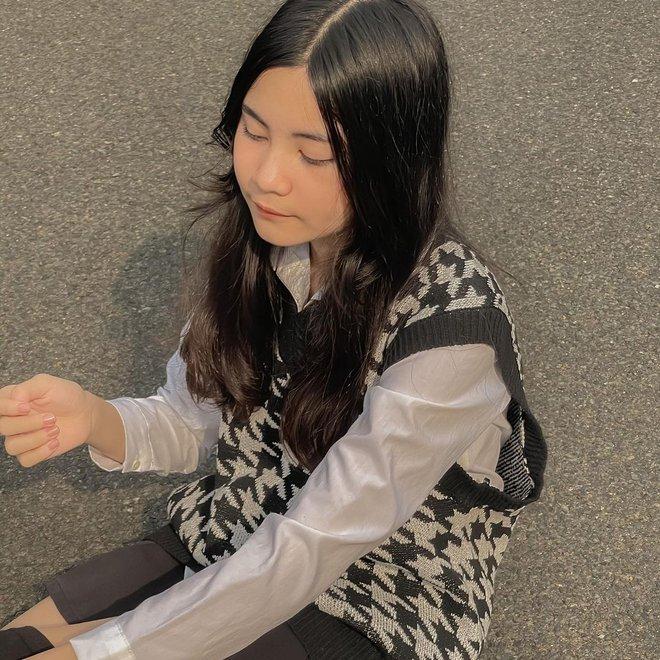 Ái nữ nhà Quyền Linh tung loạt hình style Rosé (BLACKPINK), nhưng gây chú ý nhất là caption gắt - Ảnh 3.