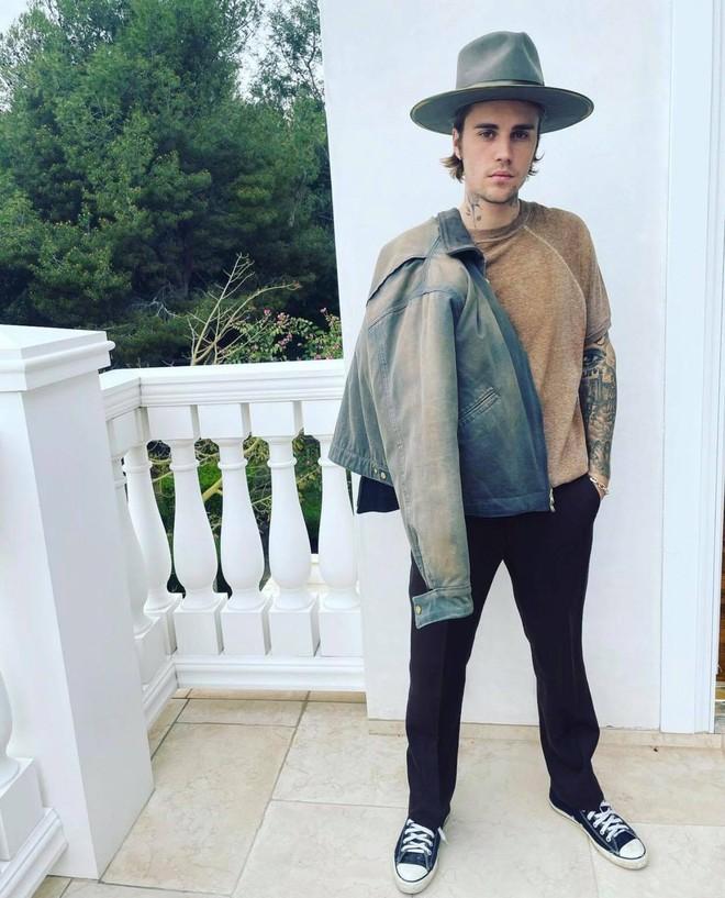Grammy cũng chẳng bằng nóc nhà: Justin Bieber cáo vắng dù có tận 4 đề cử chỉ vì bận cung phụng vợ như này - Ảnh 6.