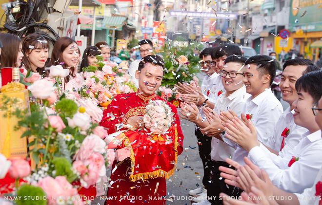 """Đám cưới với của hồi môn cực """"khủng"""" ở An Giang: Tiền chất thành từng cọc, vàng và hột xoàn bày la liệt - Ảnh 3."""