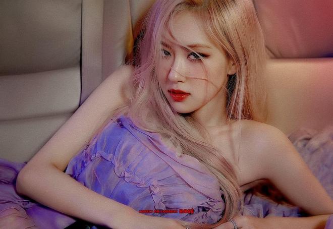 Stylist bạo tay cắt váy Haute Couture để Rosé khoe trọn vai trần, netizen rần rần: Ai làm lại chị? - ảnh 2