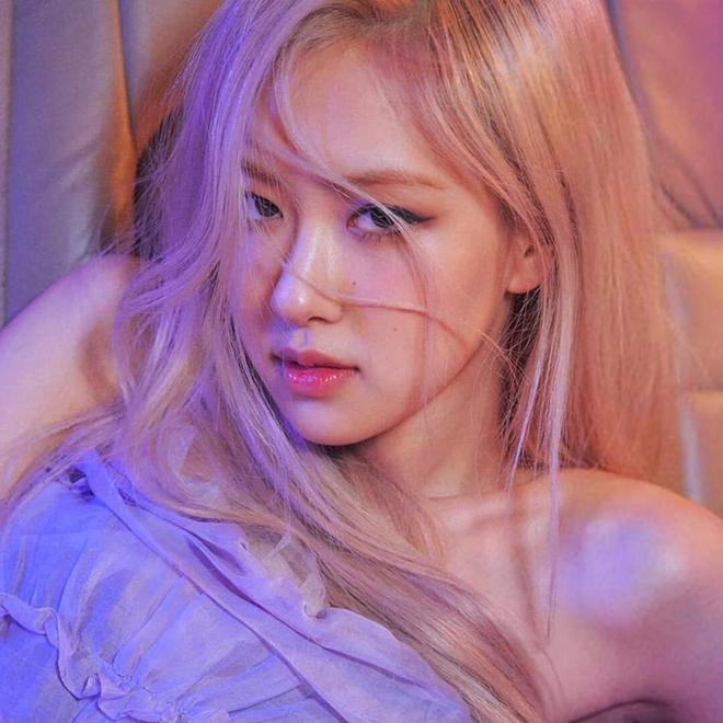 Stylist bạo tay cắt váy Haute Couture để Rosé khoe trọn vai trần, netizen rần rần: Ai làm lại chị? - ảnh 4