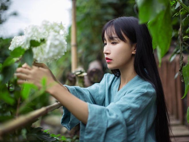 Tiên nữ đồng quê Lý Tử Thất sau 5 năm: Không sợ bị thay thế, không còn thức khuya để edit video như ngày xưa - ảnh 1