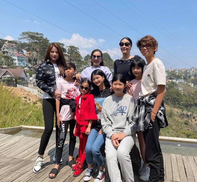 Khi con của Hoa hậu, diễn viên đứng chung khung hình: Ai cũng hưởng trọn visual đỉnh cao từ bố mẹ, bonus thêm chân dài miên man - ảnh 4