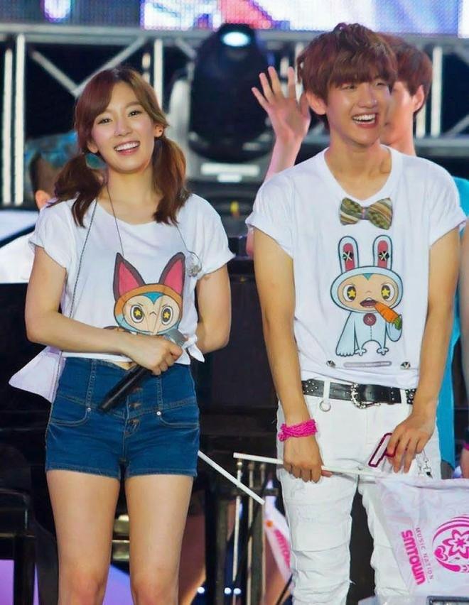 Điểm chung 2 mỹ nhân sát trai nhất Kpop Jennie - Taeyeon: Từ dính phốt thái độ, cà khịa thành viên cùng nhóm đến chiêu trò hẹn hò? - ảnh 7