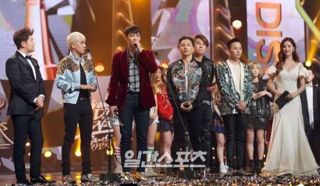 Điểm chung 2 mỹ nhân sát trai nhất Kpop Jennie - Taeyeon: Từ dính phốt thái độ, cà khịa thành viên cùng nhóm đến chiêu trò hẹn hò? - ảnh 29