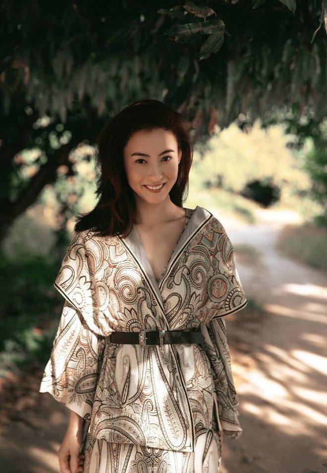 Trương Bá Chi: Ngọc nữ đẹp nhất Hong Kong ăn chơi trác táng, thi phi bủa vây vì cuộc tình 2 thập kỷ với Tạ Đình Phong - ảnh 12