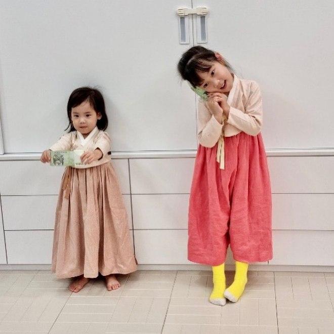 2 cô con gái nhà tiểu tam Penthouse Eugene: Hết thiên tài IQ 127 học trường quốc tế đắt đỏ đến fangirl nhí đặc biệt của BTS - ảnh 14