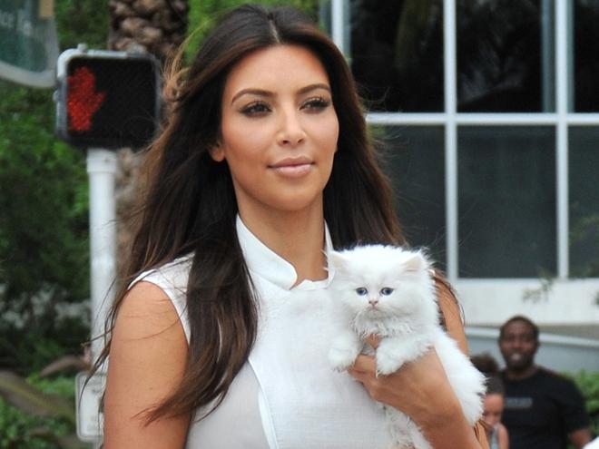Kanye West trả thù Kim Kardashian: Bóc phốt vợ tán tỉnh kẻ khác, mắc bệnh tâm lý cùng nhiều tình tiết bẽ bàng - ảnh 2