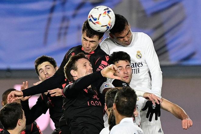 Real Madrid thoát thua trong gang tấc nhưng vẫn bị Barca vượt mặt - ảnh 7