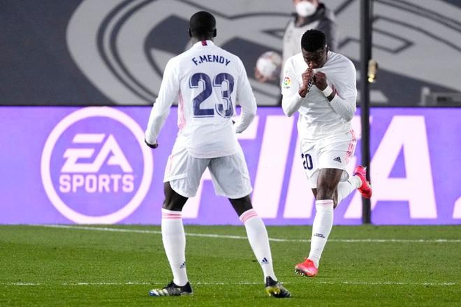 Real Madrid thoát thua trong gang tấc nhưng vẫn bị Barca vượt mặt - ảnh 9