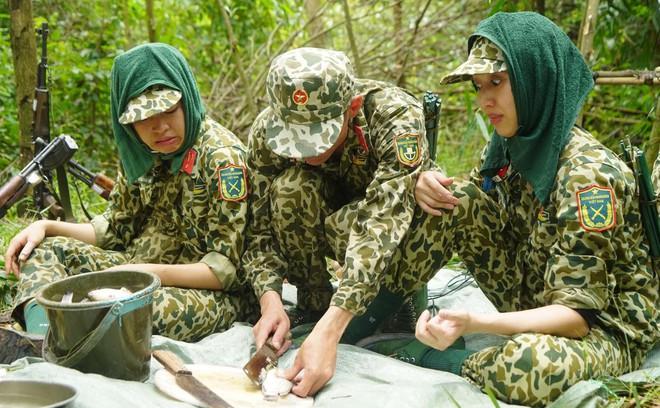 Khánh Vân tiết lộ Mũi trưởng Long là 'chú bé khóc nhè', khóc lóc ngày dàn nữ chiến binh xuất ngũ 008