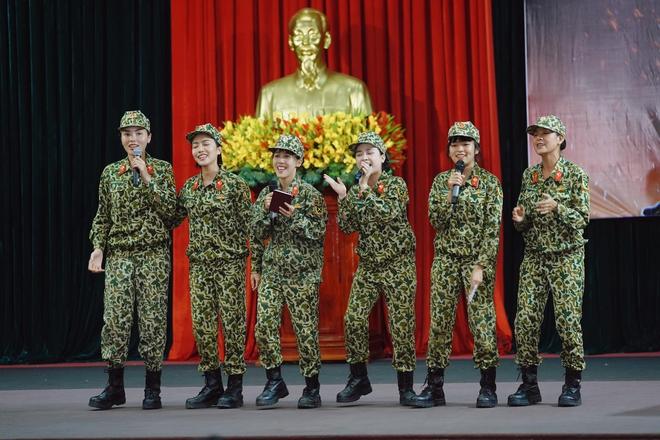 Khánh Vân tiết lộ Mũi trưởng Long là 'chú bé khóc nhè', khóc lóc ngày dàn nữ chiến binh xuất ngũ 0011
