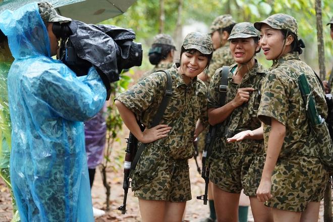 Khánh Vân tiết lộ Mũi trưởng Long là 'chú bé khóc nhè', khóc lóc ngày dàn nữ chiến binh xuất ngũ 002