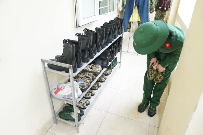Khánh Vân tiết lộ Mũi trưởng Long là 'chú bé khóc nhè', khóc lóc ngày dàn nữ chiến binh xuất ngũ 005