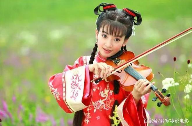 Ác nữ Cẩm Tâm Tựa Ngọc hóa ra chính là người xưa đọ visual với Triệu Lệ Dĩnh ở Hoàn Châu Cách Cách 007
