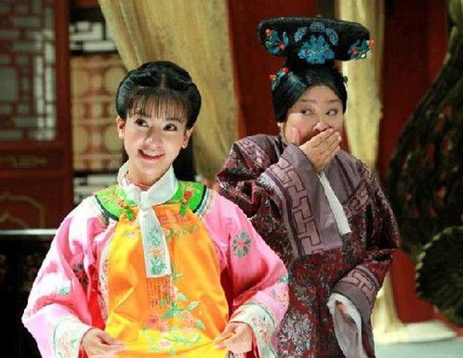 Ác nữ Cẩm Tâm Tựa Ngọc hóa ra chính là người xưa đọ visual với Triệu Lệ Dĩnh ở Hoàn Châu Cách Cách 0013