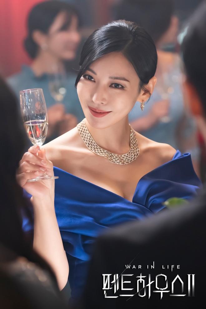 6 sao Hàn toàn sát nhân, mean girls trên màn ảnh nhưng ngoài đời lại trái ngược: Sốc nhất là tính cách của ác nữ Penthouse Kim So Yeon! - Ảnh 2.