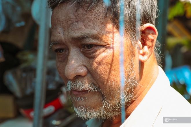 Một ngày trong hẻm Bố Già giữa Sài Gòn: Cuộc sống của người dân cù lao vẫn bình dị như thế, hễ có đoàn phim đến là nhiệt tình giúp đỡ! - Ảnh 8.