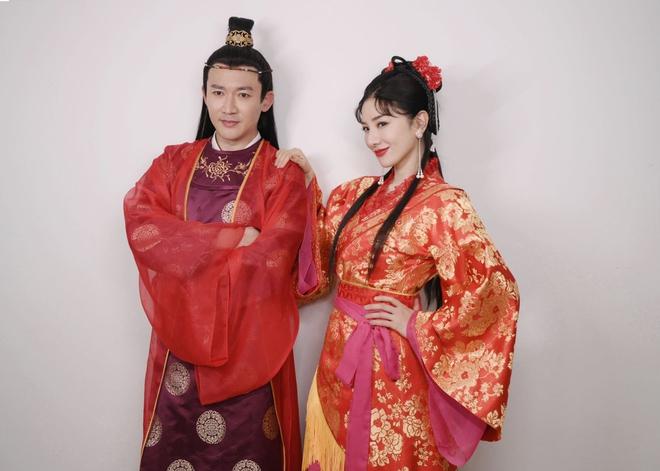 Cặp đôi Lên Nhầm Kiệu Hoa tái ngộ sau 21 năm, netizen lo 'sặc mùi cẩu huyết' 001