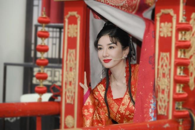 Cặp đôi Lên Nhầm Kiệu Hoa tái ngộ sau 21 năm, netizen lo 'sặc mùi cẩu huyết' 006
