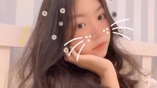 Lọ Lem - ái nữ nhà Quyền Linh lại xinh đẹp 'hút hồn' fan 005