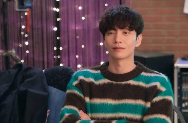Phim Hàn bị ném đá vì cho mỹ nam khỏa thân trên sóng truyền hình, nhà đài vội chỉnh sửa 004